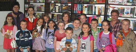 Copiii din Târnova la Semn de Carte